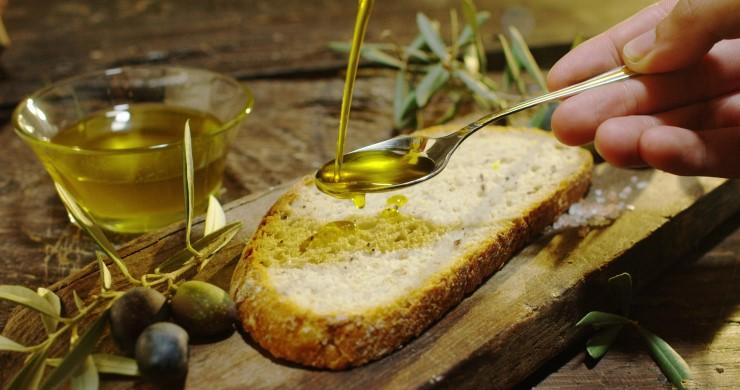 L'olio leccino: gusto delicato, piacere intenso